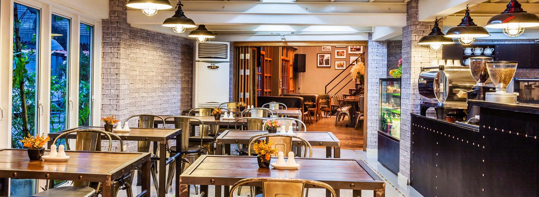 Cafe and Restaurant at Hua Lamphong